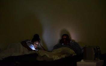 Εξασθένησε αλλά παραμένει εξαιρετικά επικίνδυνος ο τυφώνας Μαρία