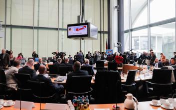 «Σημαία» του AfD το τέλος της γερμανικής μεταμέλειας για τα εγκλήματα των Ναζί