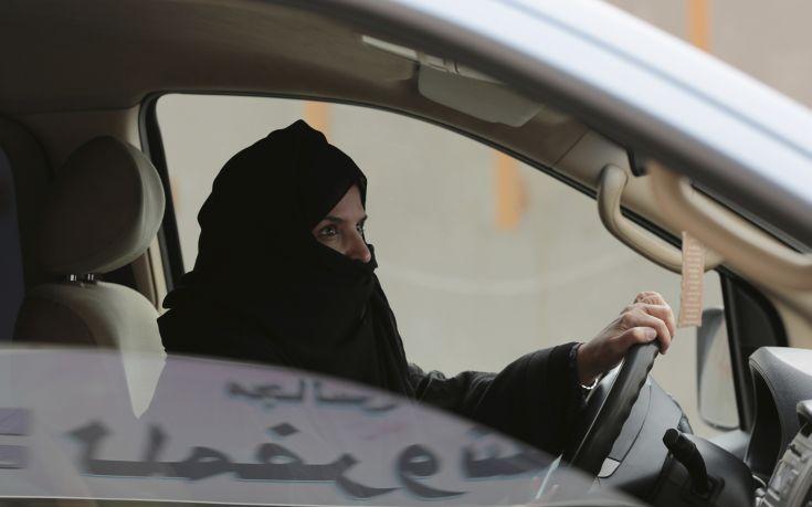 Οι γυναίκες που μάχονται για το δικαίωμά τους να οδηγούν