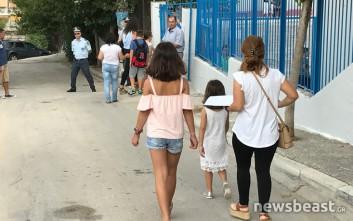 Βαρύ το κλίμα στον αγιασμό του σχολείου όπου σκοτώθηκε ο 11χρονος Μάριος