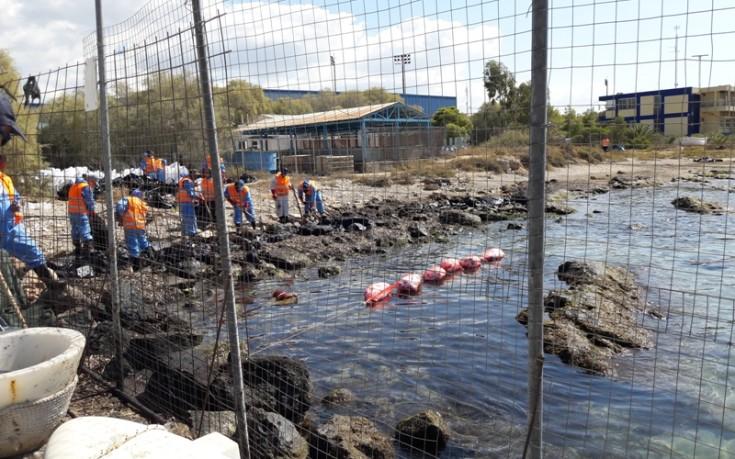 Φωτογραφίες από τον καθαρισμό της θάλασσας στον Άγιο Κοσμά