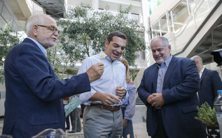 Η ανακοίνωση της Apivita για την επίσκεψη του Αλέξη Τσίπρα