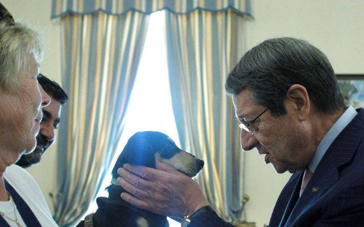 Κουτάβι από καταφύγιο αδέσποτων υιοθέτησε ο Νίκος Αναστασιάδης