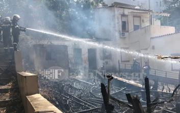 Αναστάτωση από πυρκαγιά ανάμεσα σε σπίτια στα Χανιά