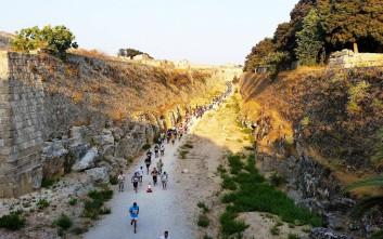Έτρεξαν πέντε χιλιόμετρα στον πρώτο Αγώνα Δρόμου Μεσαιωνικής Τάφρου