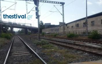 Άνδρας έπαθε ηλεκτροπληξία στον σιδηροδρομικό σταθμό της Σίνδου