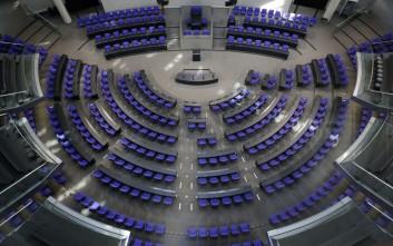 Η γερμανική κυβέρνηση χαιρετίζει την «ατμοσφαιρική προσέγγιση» μεταξύ Αθηνών και Σκοπίων