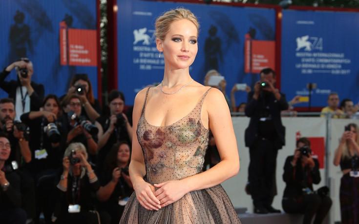 Η Jennifer Lawrence σαν πριγκίπισσα παραμυθιού στη Βενετία