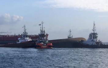 Ανασύρθηκαν οι σοροί δύο ναυτικών μετά τη σύγκρουση πλοίων στη Σιγκαπούρη