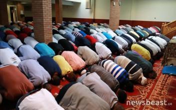 Η προσευχή των μουσουλμάνων για την γιορτή της θυσίας του Αβραάμ