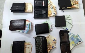 Σπείρα πορτοφολάδων με κέρδη εκατοντάδων χιλιάδων ευρώ