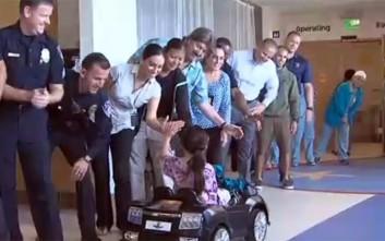 Στο χειρουργείο με τηλεκατευθυνόμενα πολυτελή αυτοκίνητα