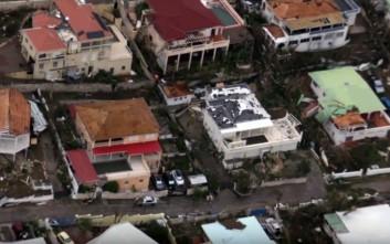 Ο τυφώνας Ίρμα δεν άφησε σχεδόν τίποτα όρθιο στον Άγιο Μαρτίνο