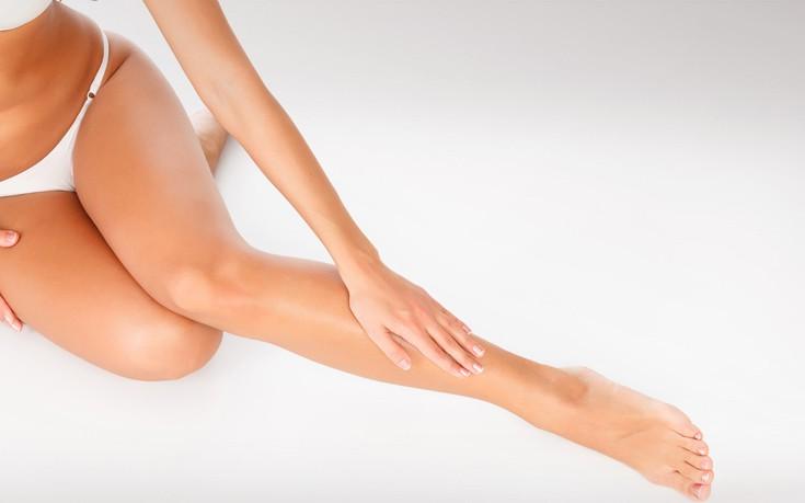 Αποκτήστε λεία και απαλά πόδια μετά το ξύρισμα