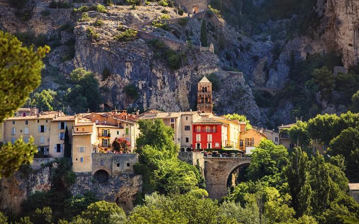 Το παραδοσιακό γαλλικό χωριό με το χρυσό αστέρι