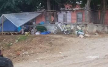 Οικογένεια με 3 ανήλικα παιδιά ζει σε σκηνή στα Χανιά