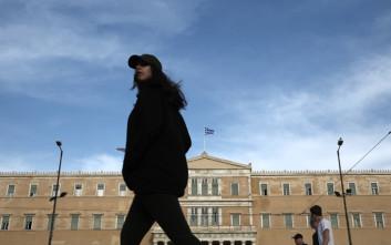 «Η Ελλάδα βάζει στο αρχείο την κρίση»