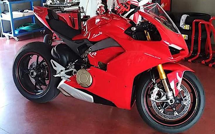 Πρώτη πραγματική φωτογραφία της νέας Ducati V4 Superbike