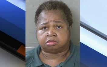 Η υπέρβαρη θεία σκότωσε την ανιψιά της όταν έκατσε πάνω της