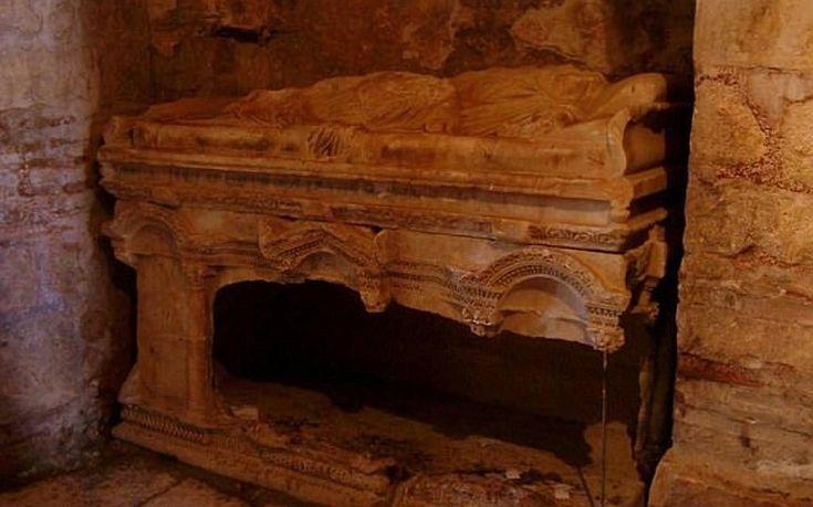 Αρχαιολόγοι υποστηρίζουν ότι βρήκαν τον τάφο του «Άγιου Βασίλη»
