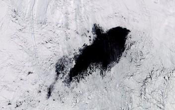 Μυστηριώδης τρύπα, πιο μεγάλη από τη μισή Ελλάδα, εντοπίστηκε στην Ανταρκτική