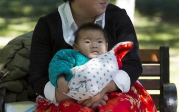 Ευτυχισμένοι οι γονείς στην Κίνα που μπορούν να κάνουν δεύτερο παιδί