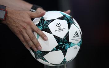 Η αδιάκοπη ερωτική σχέση των ποδοσφαιρόφιλων επιστρέφει