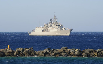 Πλοία του Στόλου στον Πειραιά στο πλαίσιο του εορτασμού του Αγίου Νικολάου