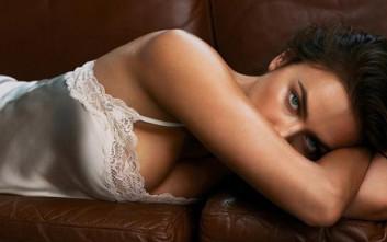 Η σέξι και καλλίγραμμη Irina Shayk ποζάρει στο φακό