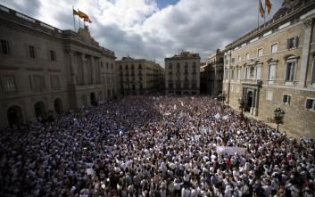 Κατέκλυσαν τους δρόμους χιλιάδες Ισπανοί