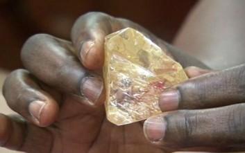 Το «διαμάντι της ειρήνης» πουλήθηκε για 6,5 εκατ. δολάρια