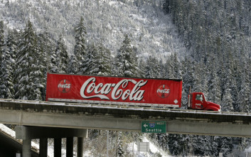 Θέλει να απαγορεύσει το φορτηγό της Coca-Cola στην πόλη του τα Χριστούγεννα