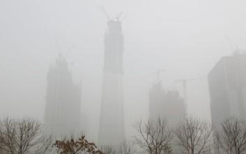 Το νέφος «πνίγει» το Πεκίνο