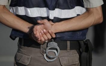 Δίωξη σε βάρος του 37χρονου που τραυμάτισε αστυνομικό στη Γλυφάδα για μια κλήση