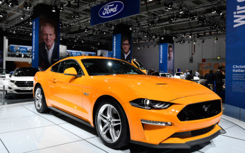 H Ford επιβραβεύει την ακτιβίστρια της Σαουδικής Αραβίας με ένα δωρεάν Mustang!