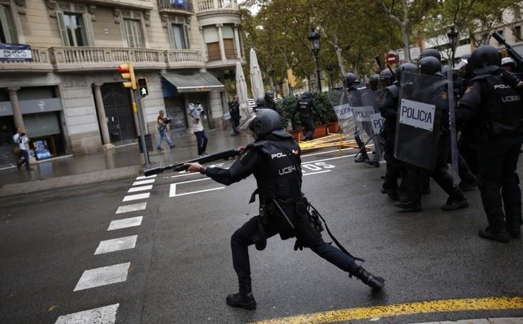 Περισσότεροι από 337 οι τραυματίες πολίτες στην Καταλονία