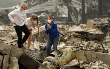 Δεκάδες άνθρωποι αγνοούνται στις φωτιές της Καλιφόρνιας