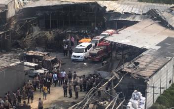 Τους 47 έφτασαν οι νεκροί της έκρηξης σε εργοστάσιο στην Ινδονησία
