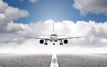 «Να εφαρμόσει η Ελλάδα τους νέους κανόνες για τα δεδομένα επιβατών αεροπορικών»