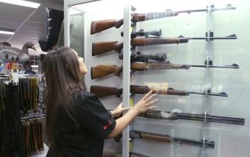 όπλα που χρονολογούνται δωρεάν site γνωριμιών με δωρεάν chat σε απευθείας σύνδεση