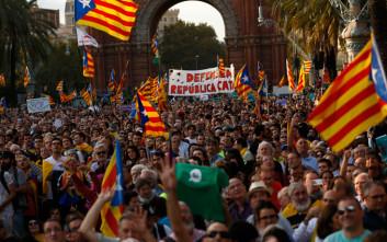 Πίεση σε Πουτζδεμόν να κηρύξει την ανεξαρτησία της Καταλονίας