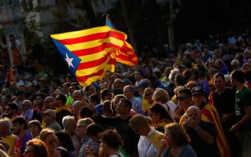 «Μη αποδεκτή» για την κυβέρνηση η ανακήρυξη της ανεξαρτησίας της Καταλονίας