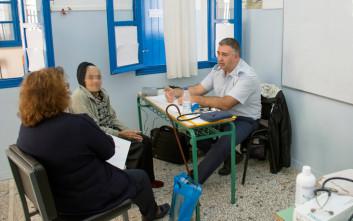 Γιατροί της Αεροπορίας είδαν 265 ασθενείς στη Φολέγανδρο σε δύο ημέρες