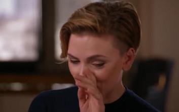 Η Σκάρλετ Γιοχάνσον ξέσπασε σε κλάματα κατά τη διάρκεια συνέντευξης