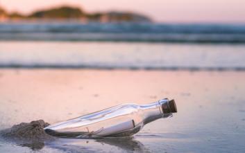 Μήνυμα σε μπουκάλι βρήκε αποδέκτη 29 χρόνια αργότερα