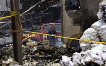 Ανακρίσεις για τη φονική πυρκαγιά σε εργοστάσιο πυροτεχνημάτων στην Ινδονησία