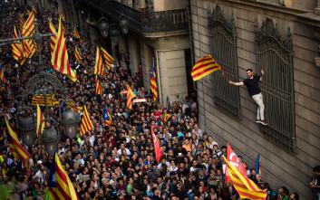 Ελεύθερη με εγγύηση 150.000 ευρώ η πρόεδρος του καταλανικού κοινοβουλίου