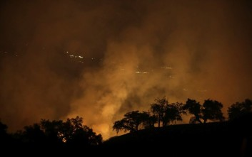 Τους 33 έχουν φτάσει οι νεκροί από τις πυρκαγιές στην Καλιφόρνια
