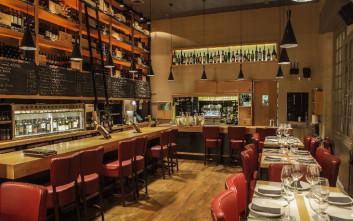 Για κρασί σε νέα και καθιερωμένα wine bars στο ιστορικό κέντρο