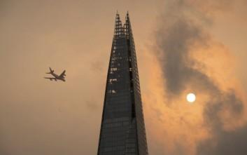 Ο ουρανός στο Λονδίνο βάφτηκε... κίτρινος